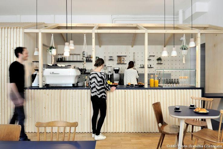Dans un esprit scandinave moderne et design, le Away Hostel qui propose 120 lits et de multiples espaces communs revisite le concept d'auberge de jeunesse. Rendez-vous à Lyon.