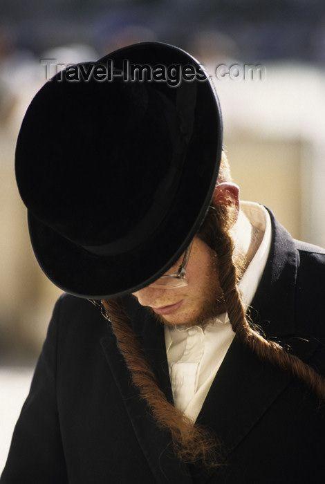 Google Image Result for http://2.bp.blogspot.com/-HjxTsFcvrPk/T0c2weOnnTI/AAAAAAAAFnw/Eb-nH03tQFY/s1600/Jewish-Clothing-Explained.jpg