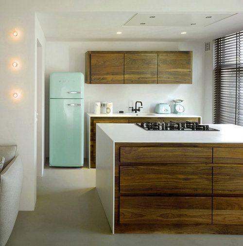 *: Mint Green, Wood, Offices Design, Design Interiors, Dreams House, Interiors Design, Modern Kitchens, White Kitchens, Offices Interiors