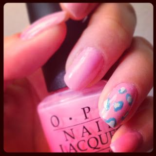 Leopardnaglar i rosa och blått | leopard nails in pink and blue #opi #nailart