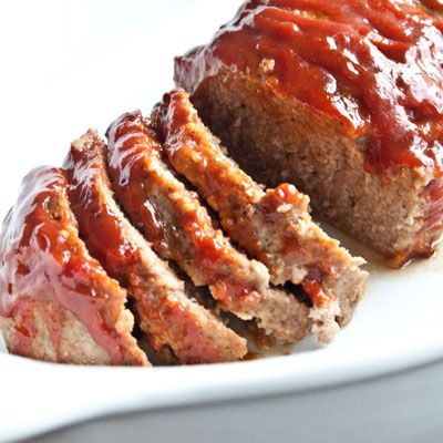 Meatloaf: Used ground chicken because it was on sale, but this is a really quick (cheap!) and easy recipe. The mustard/katsup/brown sugar sauce was a great compliment. Paired it with some mashed red potatoes and green beans for a fantastic meal (and there are plenty of leftovers!