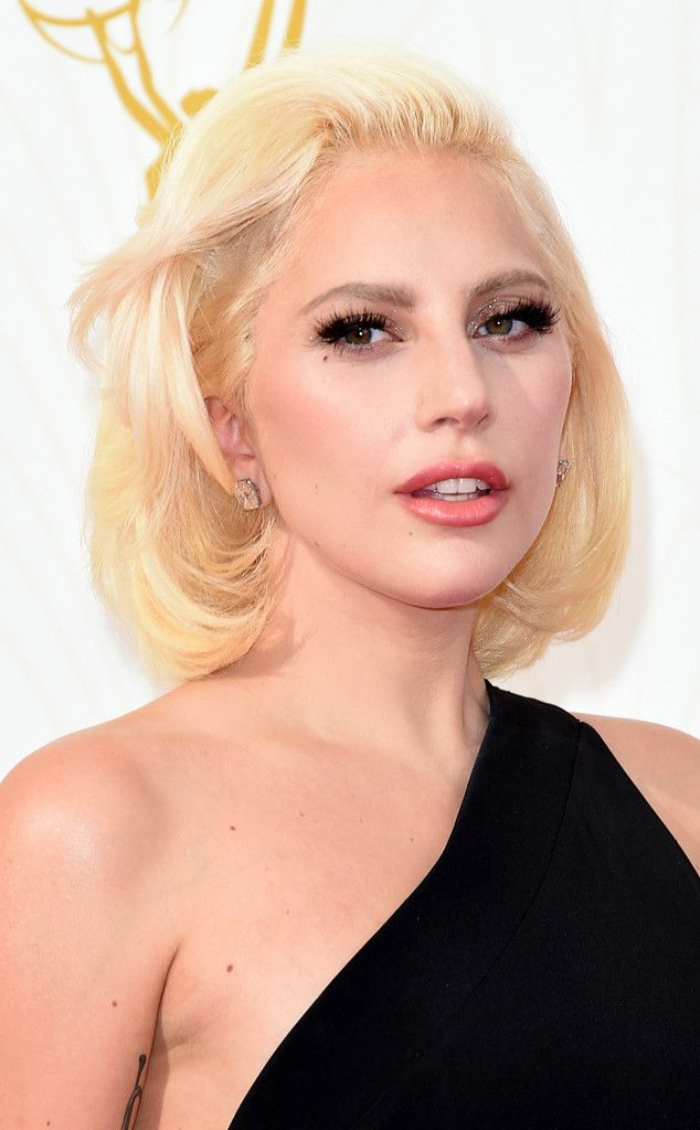 Lady Gaga from Best Beauty at the 2015 Emmys  Dramatic eyelashes aside the singer went for a much more natural, toned down look—In fact, one might call this one of the best red carpet makeunders of all time.