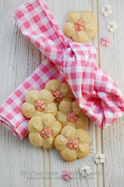 lovely spritz cookies from Spoons 'n' Spades