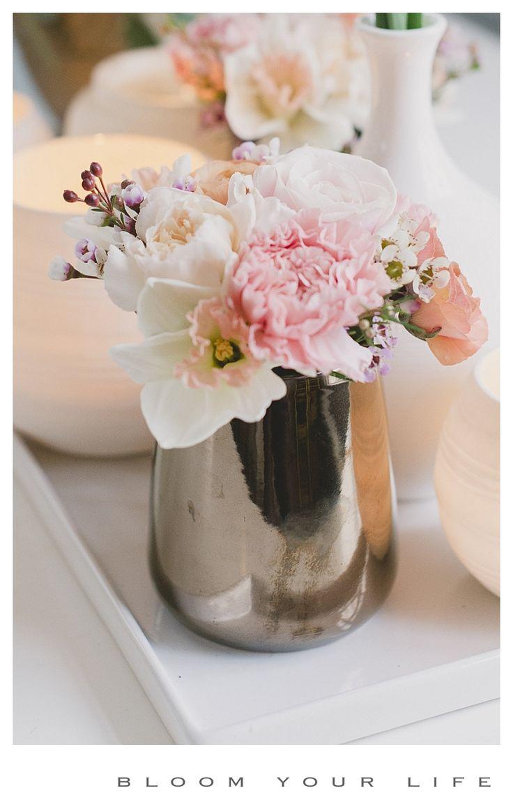 Flower arrangements with dianthus, ranunculus, waxflowers, narcis photographer: Alexandra Vonk   floral design: Bloom Your Life   venue: het Heerenhuys