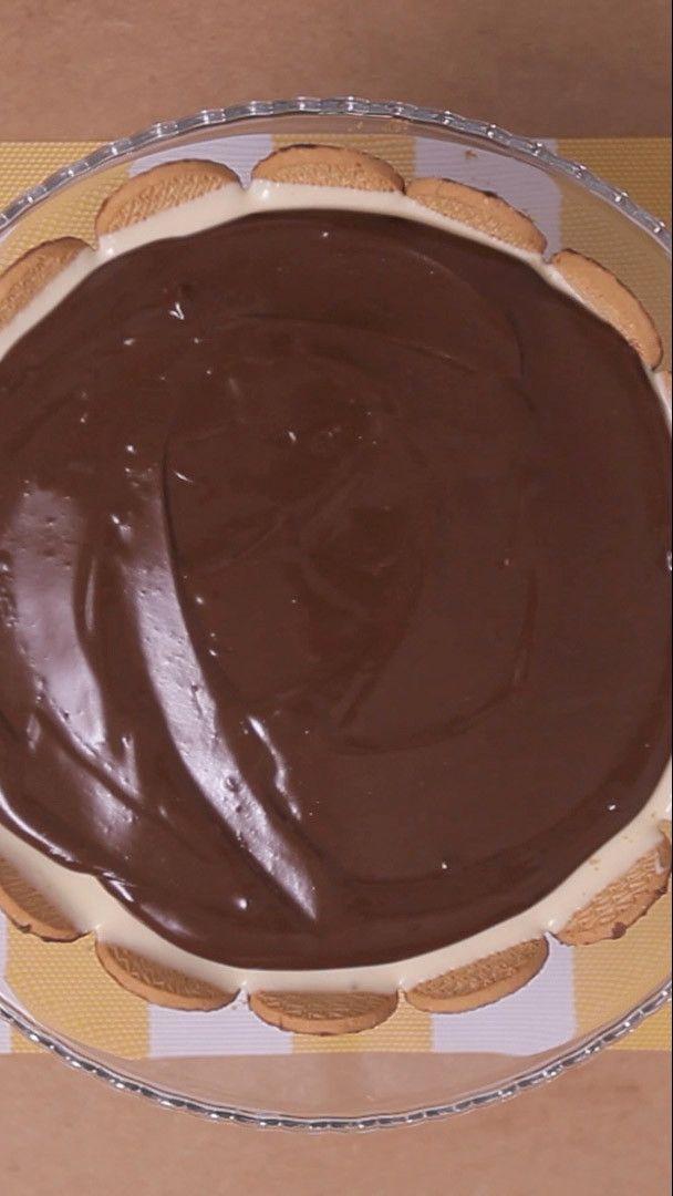 Torta holandesa bem cremosa e com uma cobertura deliciosa de chocolate…