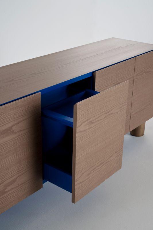 ColŽé collezione 2011 Ottoman Box by Aksu/Suardi. Venner exterior, blue interior