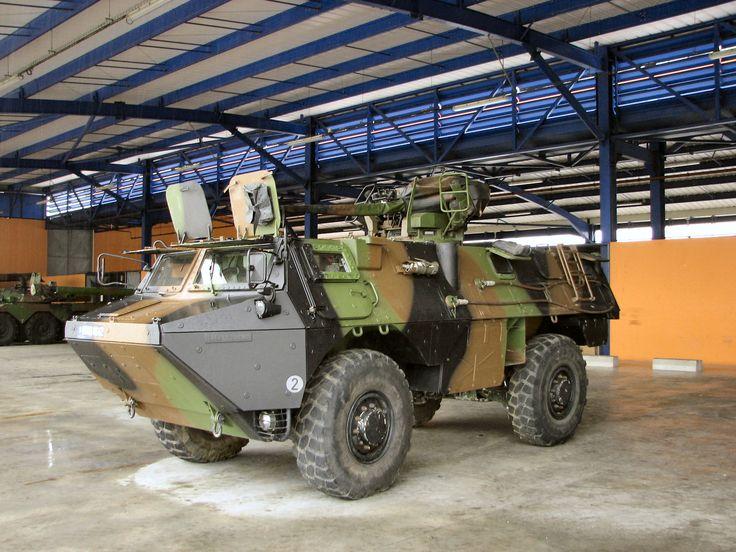 vab 4x4 vab v hicule de l 39 avant blind armoured personnel carrier pinterest 4x4 and. Black Bedroom Furniture Sets. Home Design Ideas