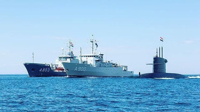 Van links naar rechts: Zr.Ms. Luymes (hydrografische opnemingsvaartuig). Zr.Ms. Mercuur (torpedowerkschip). Zr.Ms. Bruinvis (onderzeeboot). #marinemonday #marine #koninklijkemarine #royalnetherlandsnavy #navy #awesome #sea : @koninklijkemarine