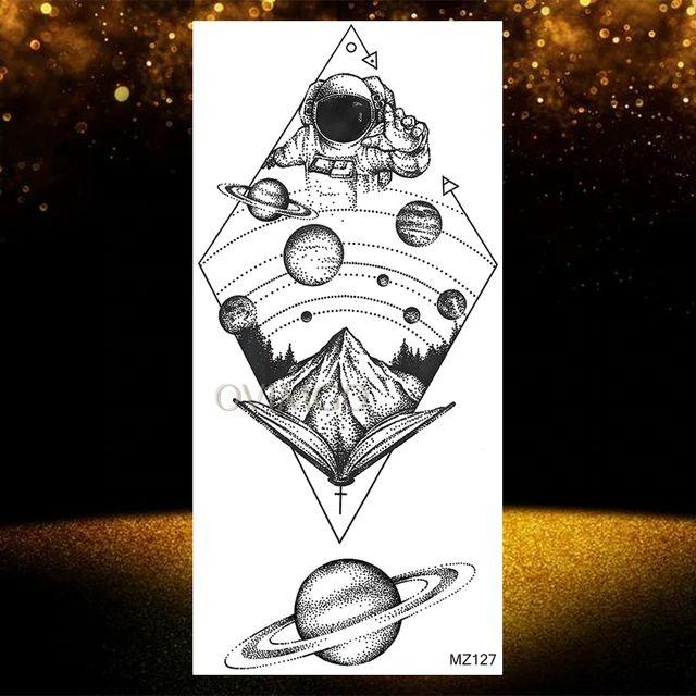 Tatuajes temporales con diseño de galaxia y acuarela azul para hombre, tatuajes falsos con diseño de astronauta en el espacio exterior, para el antebrazo y los planetas _ - AliExpress Mobile Tattos, Cards, Ideas, Men's Forearm Tattoos, Astronaut Tattoo, Fake Tattoos, Stick Poke Tattoo, Watercolour Tattoos, Outer Space