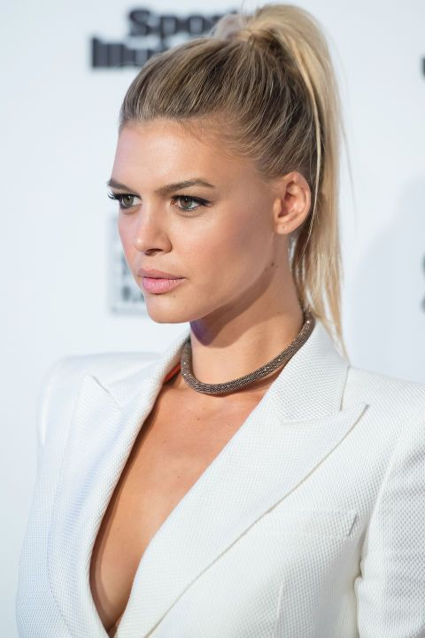 15 fun ponytail hairstyle ideas for summer: Kelly Rohrbach's teased ponytail