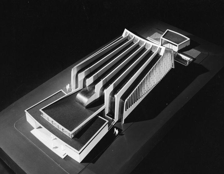 Amphithéâtre à l'hôpital Cochin : Amphitheater at Cochin Hospital, Paris (1951) | Pierre Pinsard with Théodon and Bessirad, architects