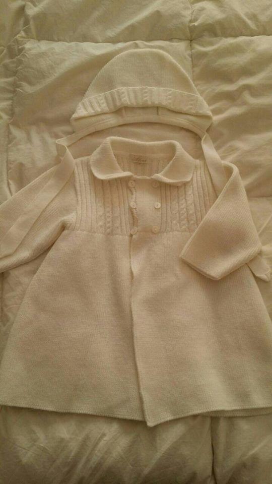 Precioso conjunto de abrigo y gorrito, talla 6/12 meses por solo 15€