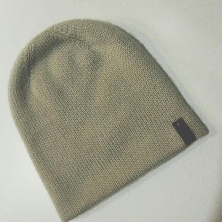 Двусторонняя шапочка бини из 100% кашемира)