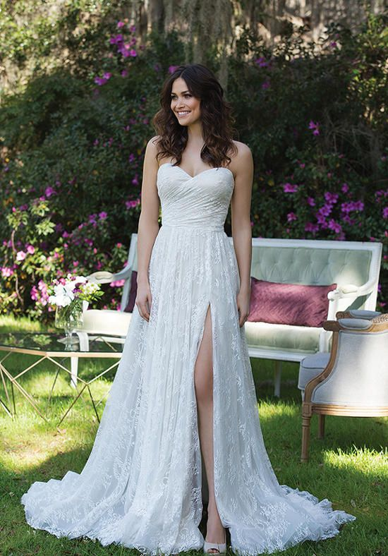 Chantilly lace A-line gown with a sweetheart neckline and chapel length train | Sincerity Bridal | 3961 | http://knot.ly/64928HCvK
