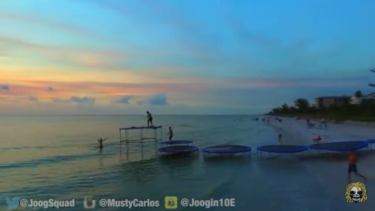 Joogsquad with 8 trampolines to the ocean!!