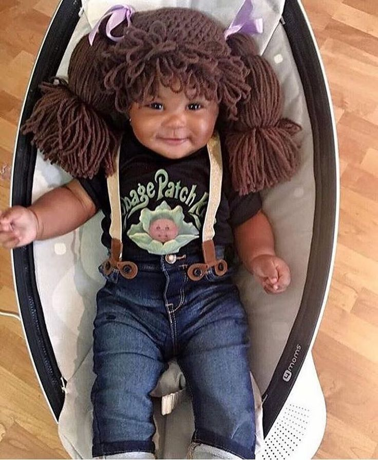 The cutest cabbage patch doll ever! Best Halloween costume to date  ⠀ .⠀ Book a natural hair guru session - www.naturalhairdaily.com - link in bio⠀ Natural hair tees - www.nhdboutique.com⠀ .⠀ .⠀ .⠀ .⠀ #nhdaily #naturalhairdaily #afro #megafro...