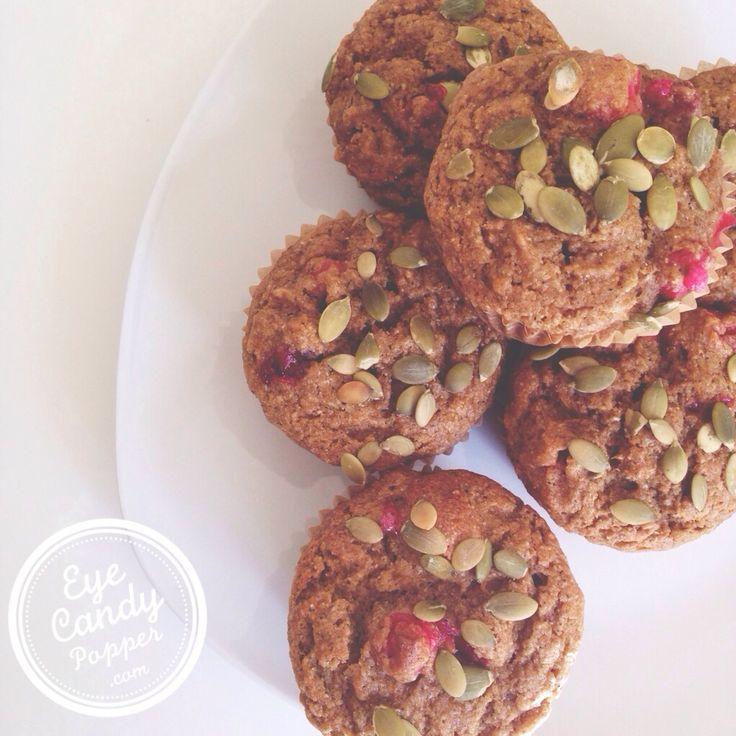 Le meilleur muffin santé à la citrouille, aux pommes et canneberges (faible en sucre et en gluten, sans produits laitiers. Options sans gluten et végétalien)