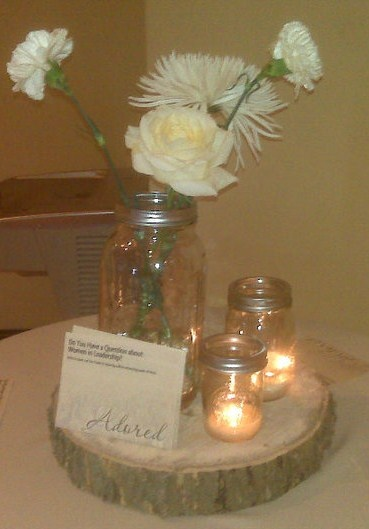 Pretty and simple rustic centerpiece idea