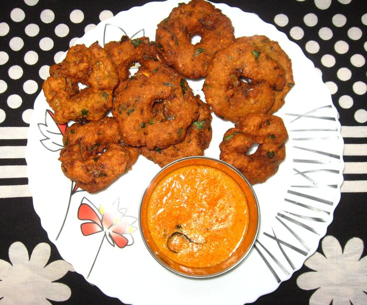 Raw Potato - Chickpea Vadai: 7 Steps (with Pictures) http://www.instructables.com/id/Raw-Potato-Chickpea-Vadai/?utm_campaign=crowdfire&utm_content=crowdfire&utm_medium=social&utm_source=pinterest