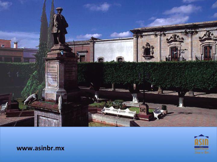 #asinbr FRACCIONAMIENTOS EN QUERÉTARO. Plaza de Armas es el sitio más emblemático del Centro Histórico de Querétaro y en sus inicios fue conocida como la Plaza de Arriba y posteriormente como Plaza de la Independencia, nombre que aún queretanos reconocen para este lugar. En ASIN BR, contamos con diferentes planes de financiamiento para la compra de su vivienda. asinmex@asinbr.mx