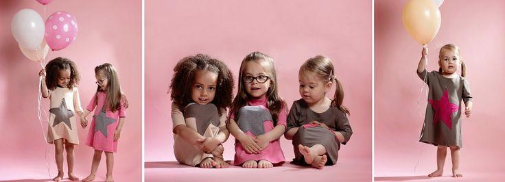 http://www.babylicious.ch/ Wir sind ein Online Shop für Babies, Kids & Mamis mit Style! Uns gibt's seit 2010 und wir verkaufen trendige Babybekleidung, Kinderbekleidung, Spielsachen, Krabbelschuhe, Geburtsgeschenke, Gutscheine, Kindergeschenke, UV Schutz Bademode, Wickeltaschen und Kinderschmuck. Wir sind klein aber fein, zuckersüss und bunt, wir lieben Babies und Kids, und auch Mama kommt bei uns nicht zu kurz!