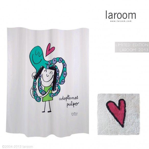 Edición Limitada 2013 Cortina Baño Laroom    Laroom ha diseñado una edición limitada de una de sus cortinas de baño. Disponible en color blanco y en dos idiomas, consigue una antes de que se agoten en www.laroom.com !    En facebook esta semana regalan un conjunto: www.facebook.com/laroom . Run Forest Run!!! :P