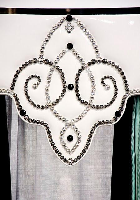 Absolutely stunning cornice -- using Diamond Head Upholstery Tacks?