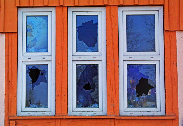 Broken Windows Theory: Why Winners Keep Their Homes Clean