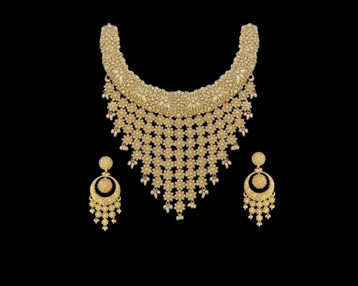 Our gorgeous #gold #bridal #necklace is all you need to make a striking statement!