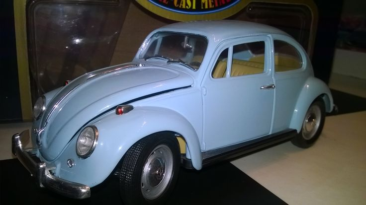 ROAD TOUGH 1:18 volkswagen beetle 1967 with ovp