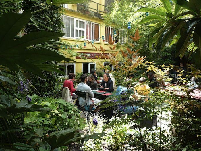 Bistrot des dames - 18 rue des Dames – Paris 75017 / Métro place de Clichy.