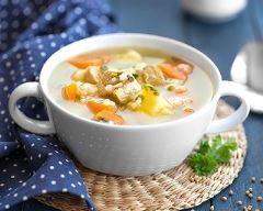 Bouillon de chou, pommes de terre, carottes fait maison