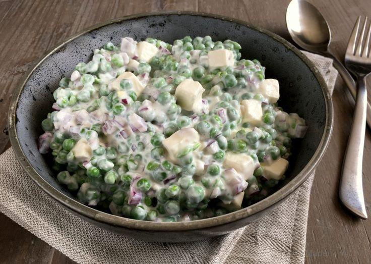 Cremet ærtesalat med feta og rødløg…