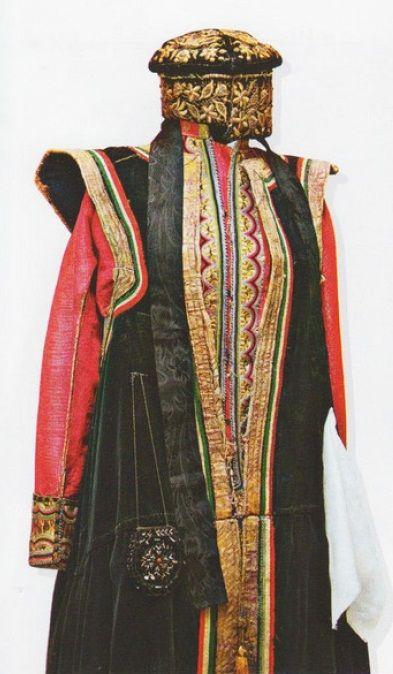 Калмыцкий костюм замужней женщины
