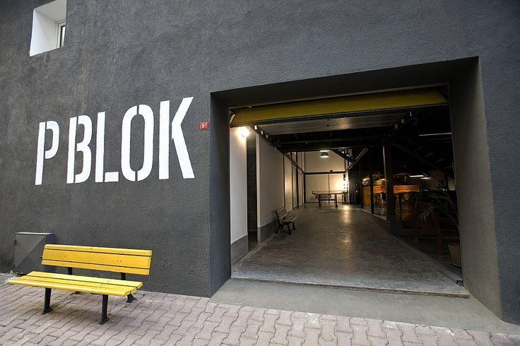 Entrada da P Blok ProductionStudio em Istambul antigos armazéns Faça deslumbrantes espaços de escritórios!