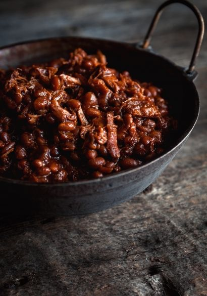 Fèves au lard à l'érable et poulet effiloché - Yummy - Brunch