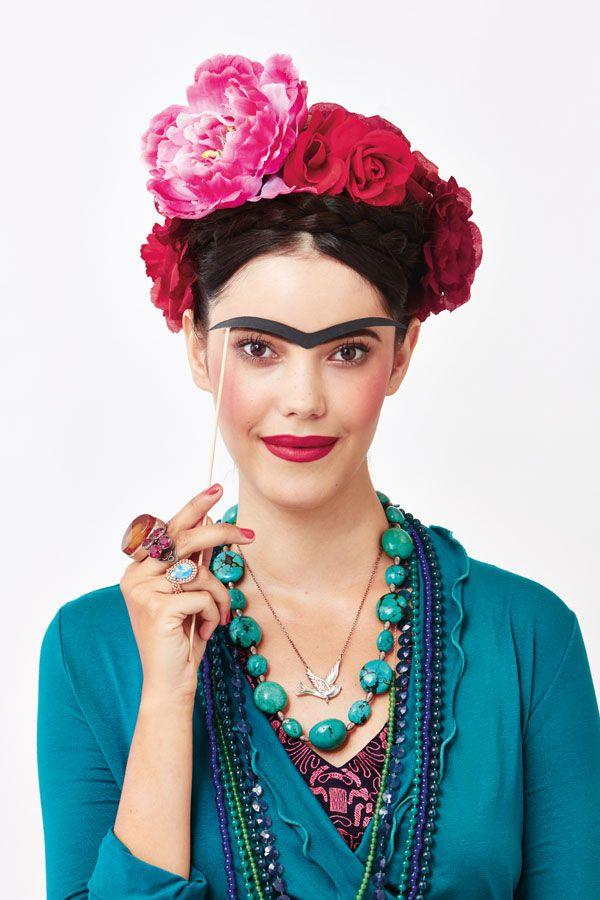 Disfraz para adultos de Frida Kahlo... Las cejas, tan características, en cartulina....