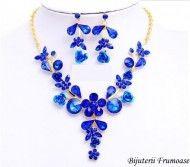 Bijuterii sultana blue crystal http://www.bijuteriifrumoase.ro/cumpara/bijuterii-sultana-blue-crystal-650?c=29
