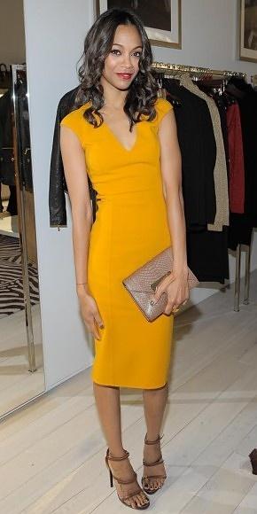 ZOË SALDAÑA    El modelito en amarillo mostaza que lució la actriz es uno de los diseños que Michael Kors incluyó en su pasarela de Primavera 2012.