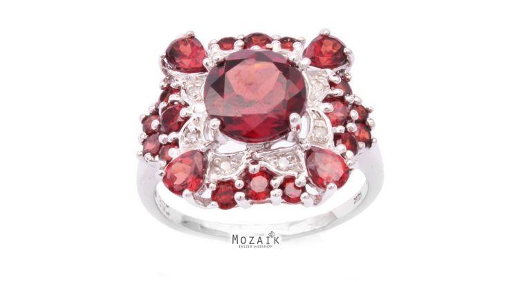 10 Karátos Fehér Arany Gyűrű Gránát Drágakövekkel - ARANY ÉKSZEREK - Mozaik Ékszer Webáruház