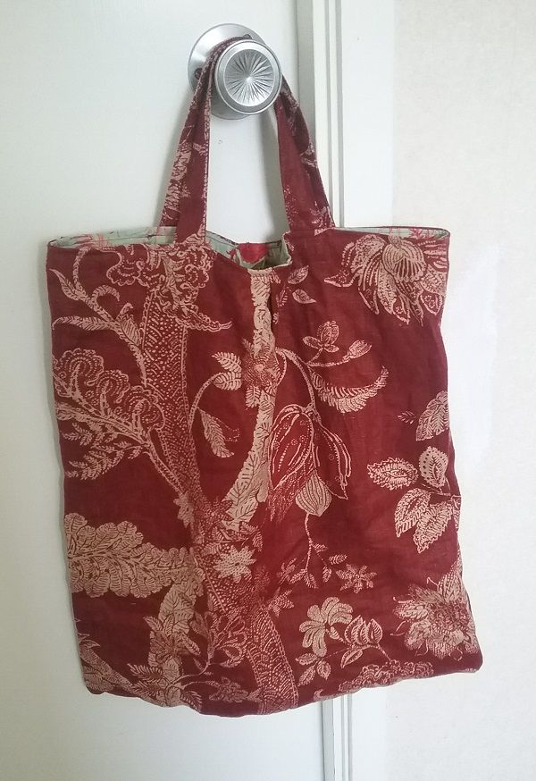 Shopping tote, made from thrifted linen in a vaguely jacobean print