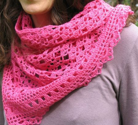 Pinning because I love this, but I'm having a hard time tracking down the pattern... :(