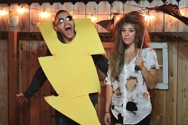 """Genius! Check out this """"Struck by Lightning"""" couples costume."""