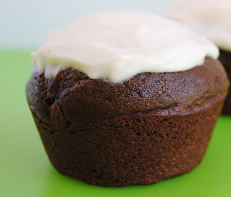 Chocolate Avocado Cupcakes with Cauliflower Frosting. (Jessica Seinfeld - Deceptively Delicious)