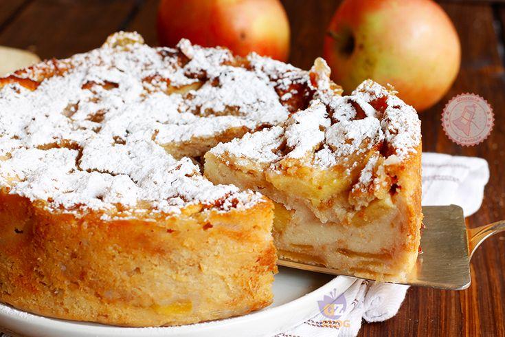 Torta paesana alle mele o torta di pane con le mele una torta semplice, genuina, economicissima e perfetta per smaltire un po' di pane secco