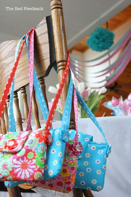 When I wrote about the tea party I had for the little girls at my house I told you about the purses I made the for the...