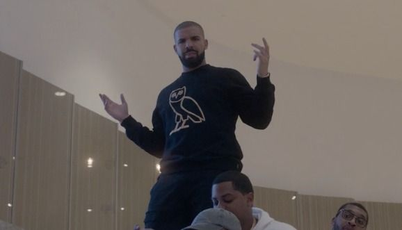 The new video features the rapper and the OVO crew rolling through a Toronto shopping center.