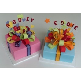Cake Decorating Course Campbelltown : 38 best images about Hat, present and shoe box cake on ...