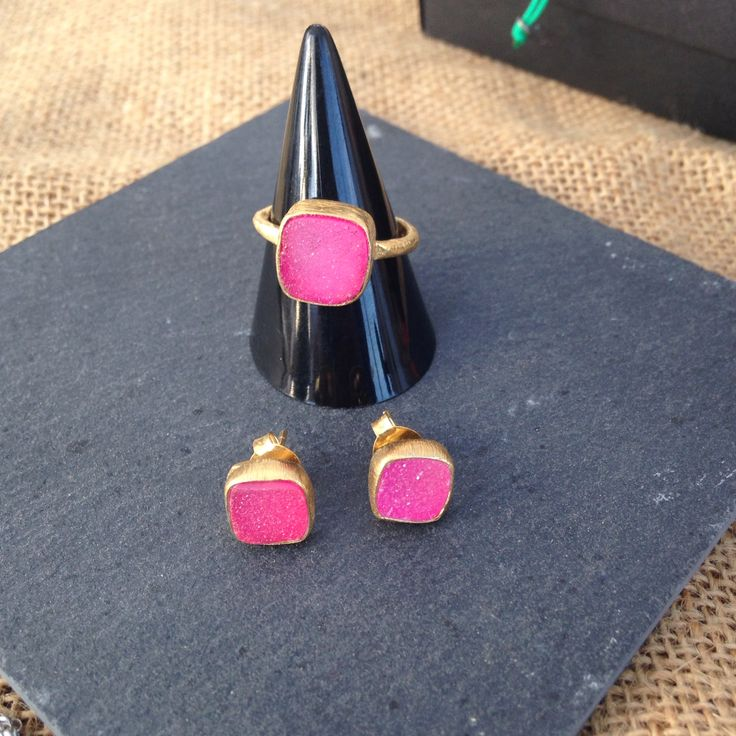 Earrings and ring DRUSA of gold plated silver and pink druzy #OneJewelDrusa  onejewelbcn@gmail.com