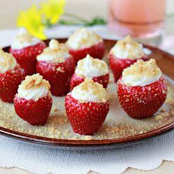 Cheesecake Stuffed Strawberries #foodgawker